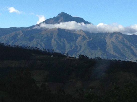 Casa Mojanda: A volcano peeped out