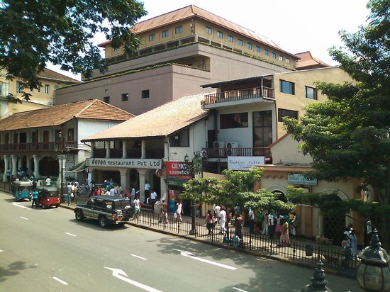 The Pub: 店からの眺め、デボンレストラン、KCCが見える