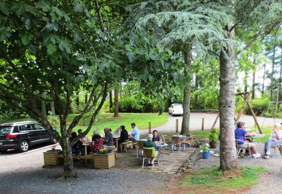 Bistro At the Falls Retreat: Bistro at the Falls outdoor seating