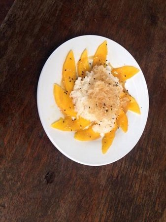 Cambodia Cooking Class: sticky rice and mango