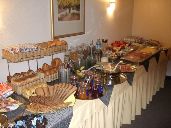 Brandenburger Hof: Breakfast buffet