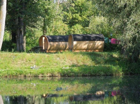 Camping & Pension Au an der Donau: le botti