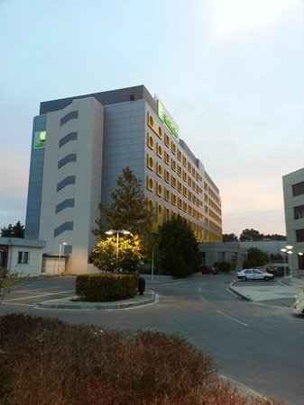 Holiday Inn Athens Attica Avenue Airport West : View from outside