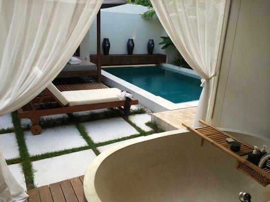 SALA Samui Choengmon Beach Resort: Outdoor living