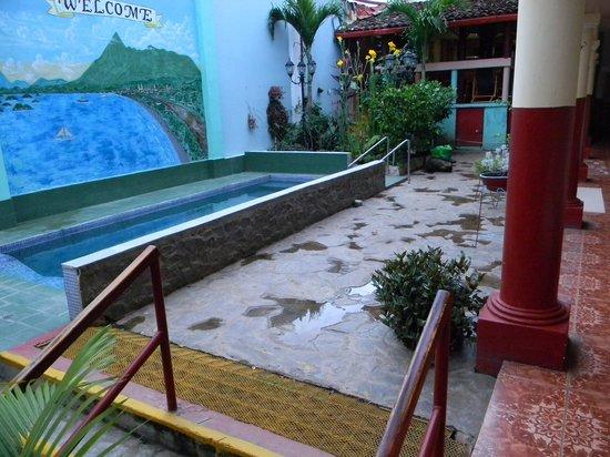 Hotel Economico : Patio central