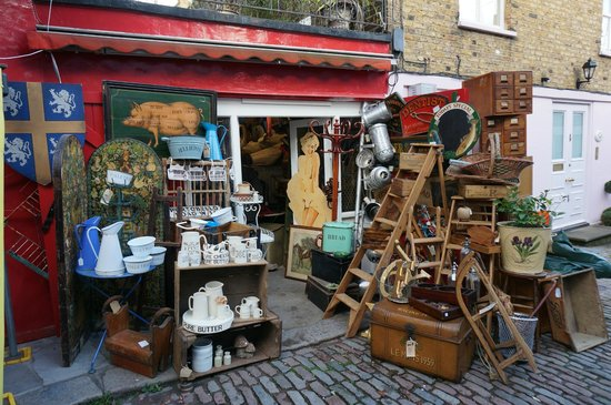 Portobello Road Market: one of the shops