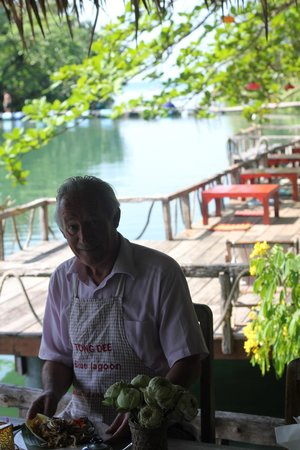 Blue Lagoon: A restaurant in a beautiful area. Ideal for sitting outside.