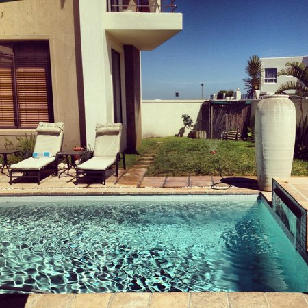 Atlantic Waves Guest House: pool