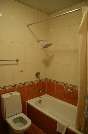 Hotel Telegrafo: ванная комната