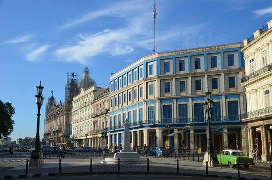 Hotel Telegrafo: здание отеля