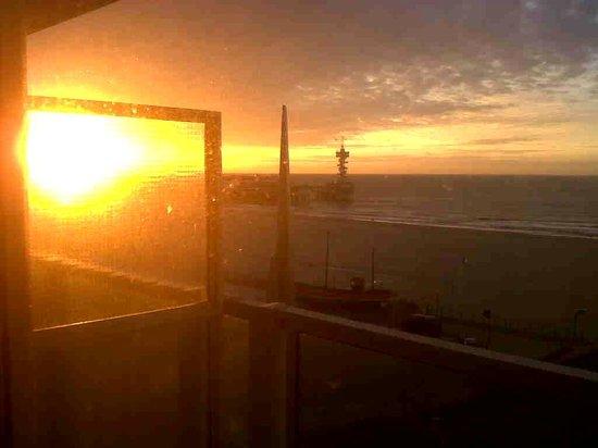 Carlton Beach : Sun going down view