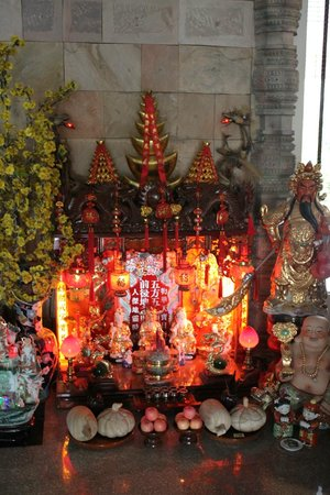 Hotel Somadevi Angkor Resort & Spa: altare nella hall