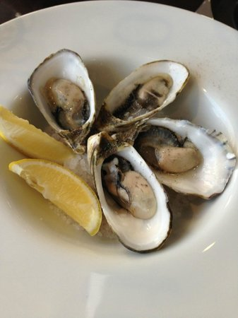 The Red Cray: Fresh oysters