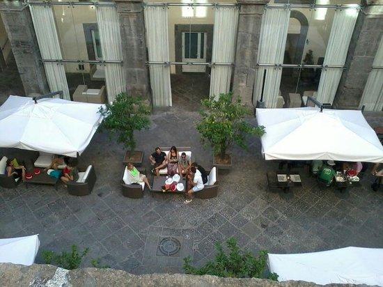 Palazzo Caracciolo Napoli MGallery by Sofitel: patio