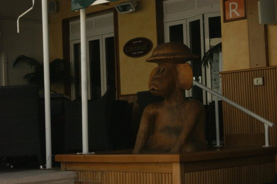 Colonial : Веранда ресторана