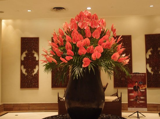 PARKROYAL Yangon: Lobby