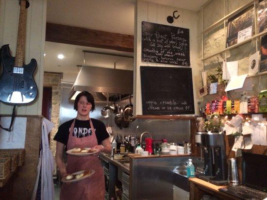 Beggars' Banquet Cafe: Wonderful service, wonderful fresh food... A real gem!