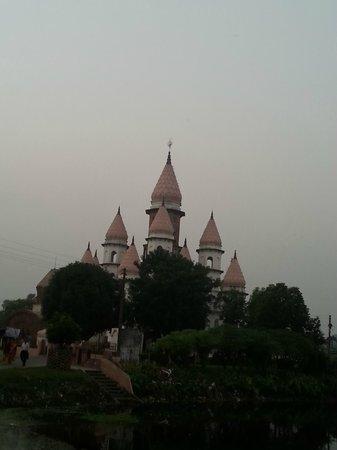 Hangseshwari Temple: Distant View