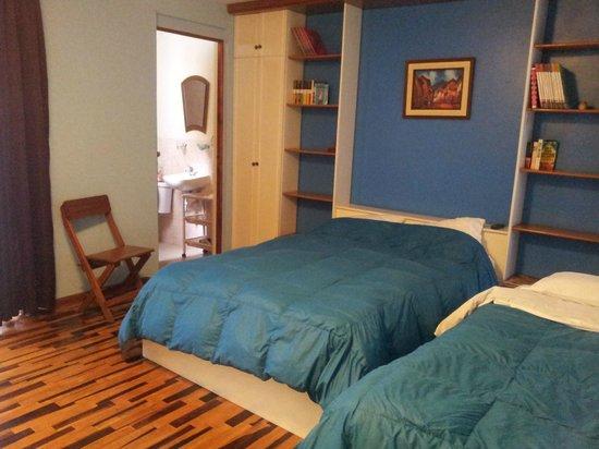 Bed & Breakfast de Kike: chambre avec salle de bain