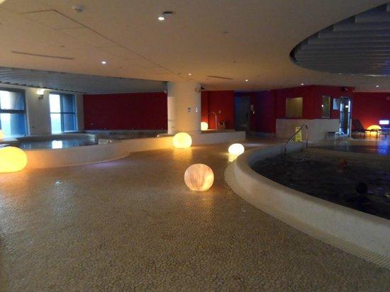 Hotel Novotel Taipei Taoyuan International Airport: Indoor Swimming Pool with Children pool