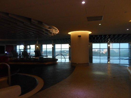 Hotel Novotel Taipei Taoyuan International Airport: Indoor Swimming Pool