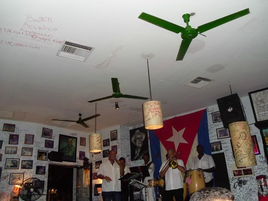 La Bodeguita del Medio: Música cubana en vivo
