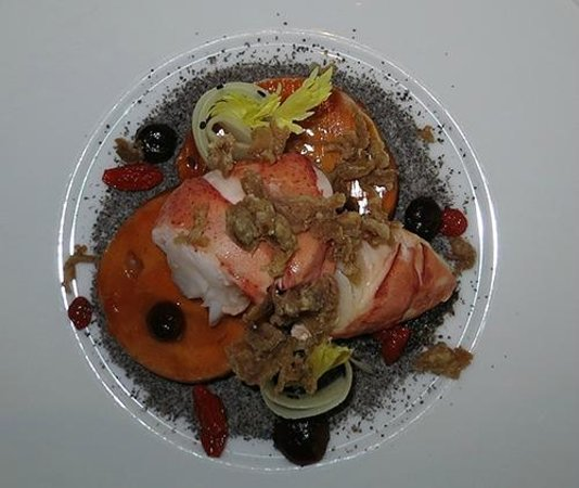 Savelberg: Lobster with guinea fowl.