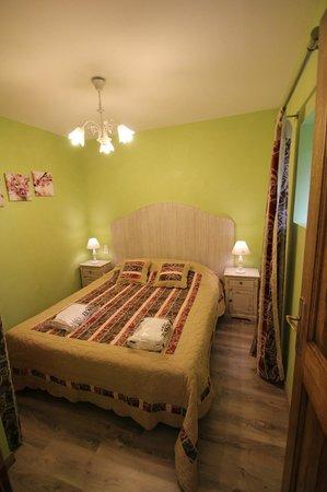 Yelloh! Village Château de Boisson : Gite Figuier Chambre2