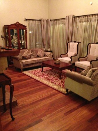 Collingham Gardens Residence & Club: Living room