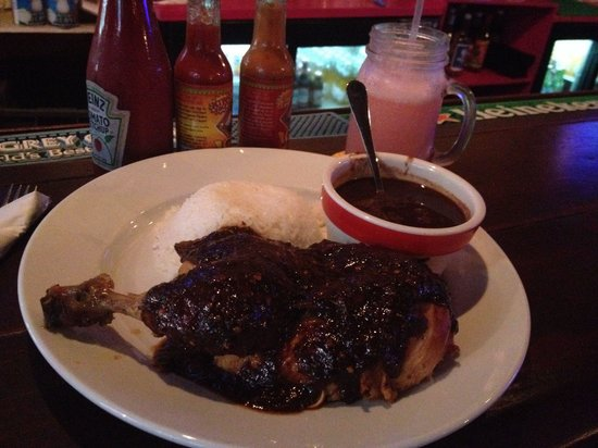 Smokey Joe's : Jerk chicken, rice & black beans