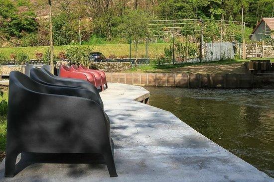 Moulin de Broaille : Zalig relaxen aan de oever