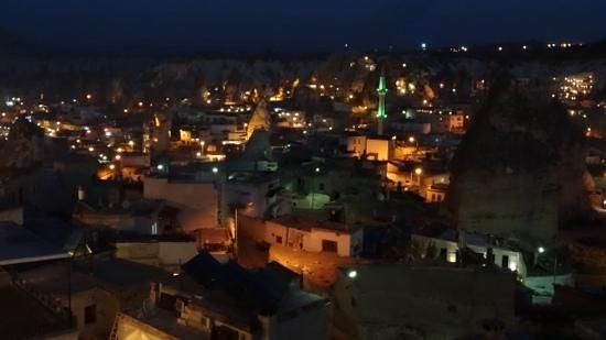 Kelebek Special Cave Hotel : vista nocturna
