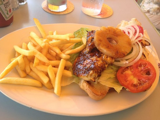 Iguana Joe's Caribbean Bar & Grill : Jerk chicken sandwich