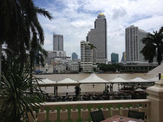The Peninsula Bangkok : Hotel View from Breakfast area