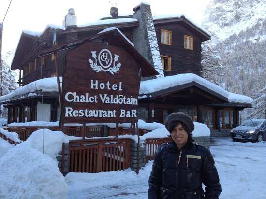 Hotel Chalet Valdotain: Entrance of the hotel