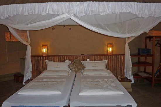Severin Safari Camp: The nice bed with mosquito-net