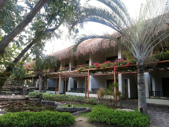 Bluewater Maribago Beach Resort: ガーデンが見えるフロント近くの部屋
