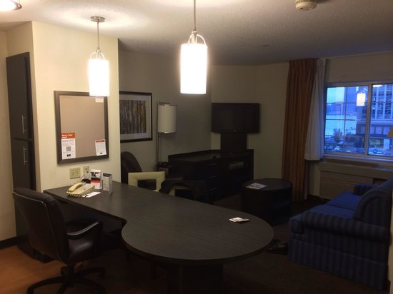 Candlewood Suites Jersey City : Living area Room 630