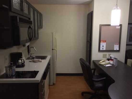 Candlewood Suites Jersey City: Kitchen room 630