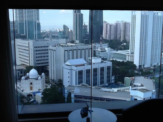 Manhattan Hotel: вид из окна
