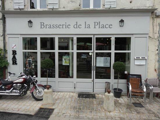 La Brasserie de la Place: Exterior - so you can recognise it!