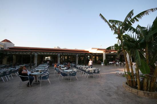Ξενοδοχείο Zorbas Beach