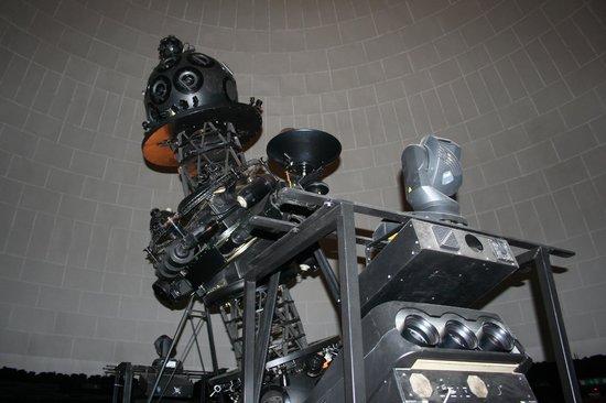 Civico Planetario Ulrico Hoepli: proiettore
