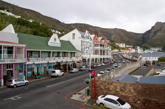 Simon's Town Quayside Hotel and Conference Centre: Arredores do hotel.
