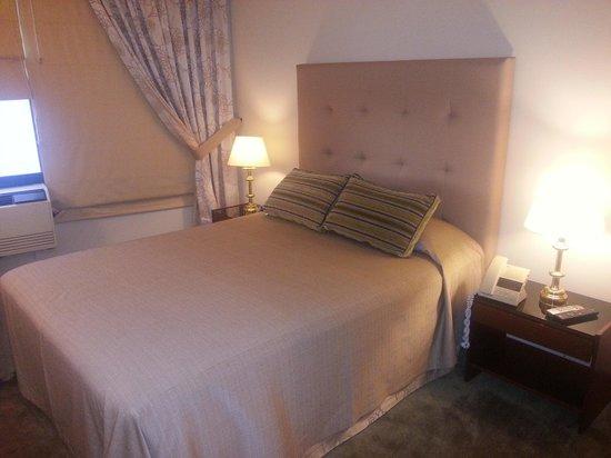 Garden Hotel: quarto