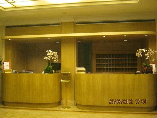 Hotel Dei Borgognoni: Hall