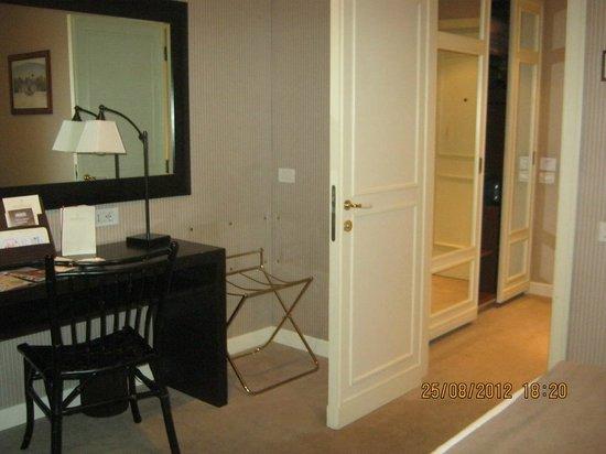 Hotel Dei Borgognoni: Habitacion