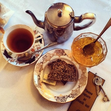 Park Lodge B&B : Tea & Soda Bread