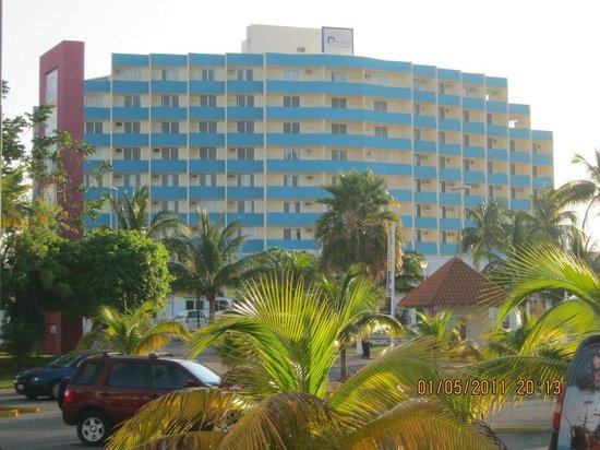 Calypso Hotel: Frente
