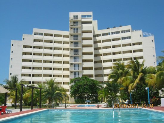 Calypso Hotel: Contrafrente a las pisciona